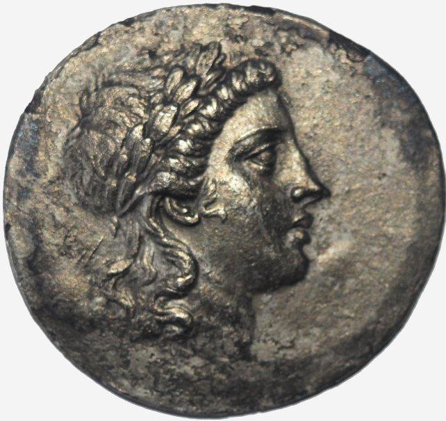 Tetradracma de plata. AEOLIS, Myrina. Ca. 160-143 a.C.  683c11