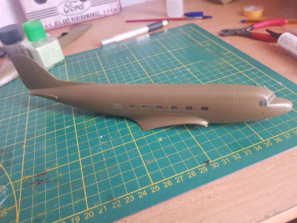 C-47 skytrain 1/72 en hommage à la base 112 86185710