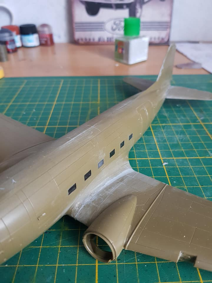 C-47 skytrain 1/72 en hommage à la base 112 - Page 2 86643510