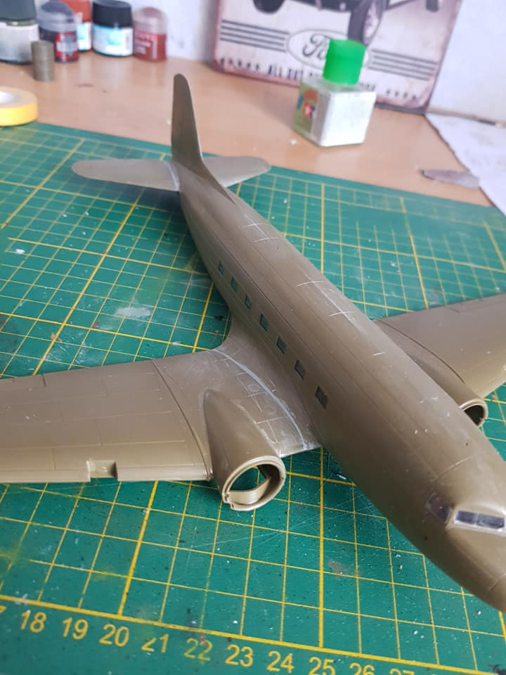 C-47 skytrain 1/72 en hommage à la base 112 - Page 2 86800310