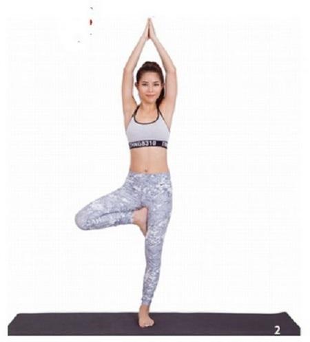 6 động tác yoga giúp trẻ lâu 6-dong12