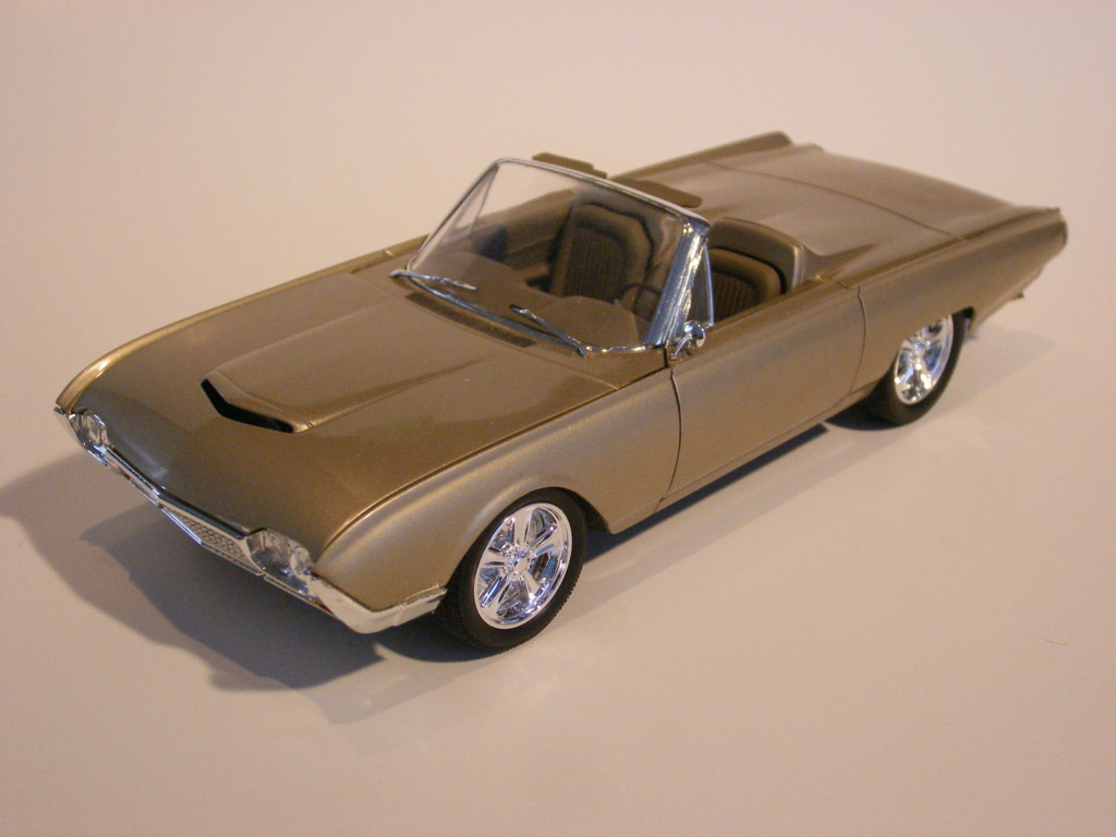1962 Ford Thunderbird de AMT Dscf3020