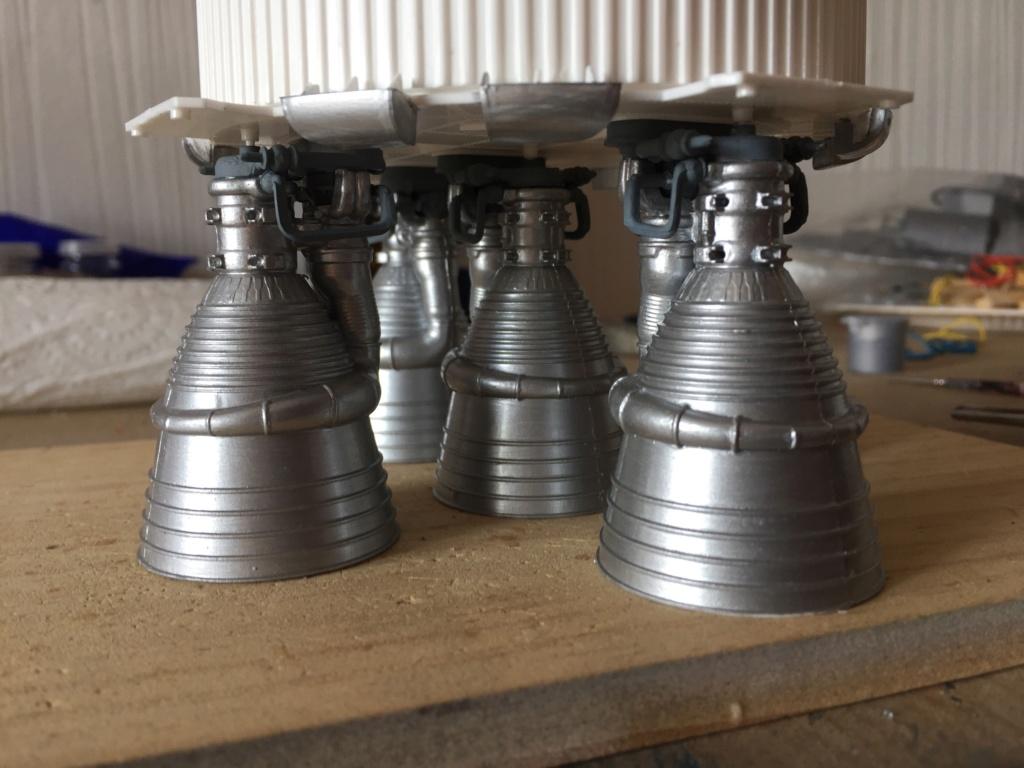 Saturn V 1/96 Revell Img_2317