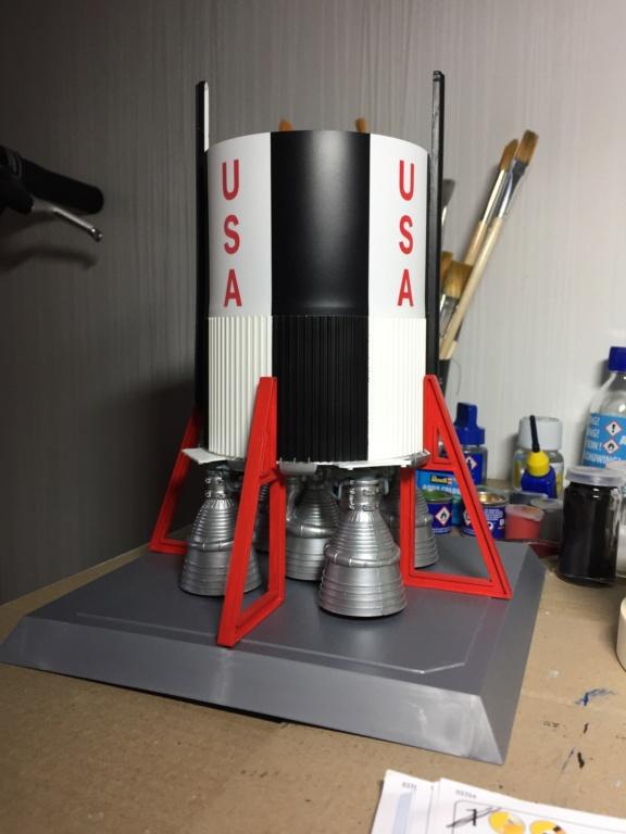 Saturn V 1/96 Revell Img_2319