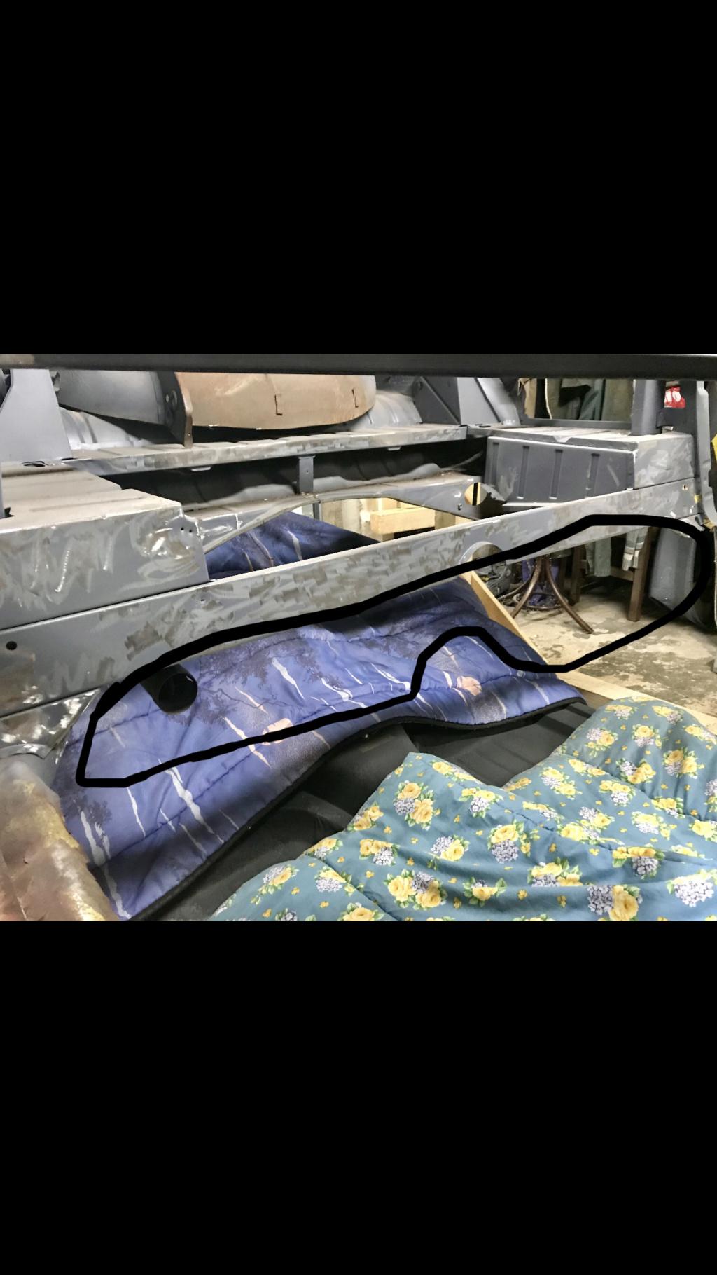 A la famille Karmann Ghia 😉 F0276510