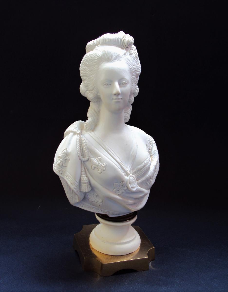 A vendre: bustes Marie Antoinette - Page 10 45533810
