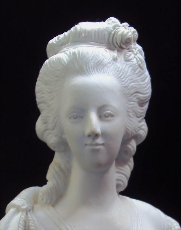 A vendre: bustes Marie Antoinette - Page 10 45533811