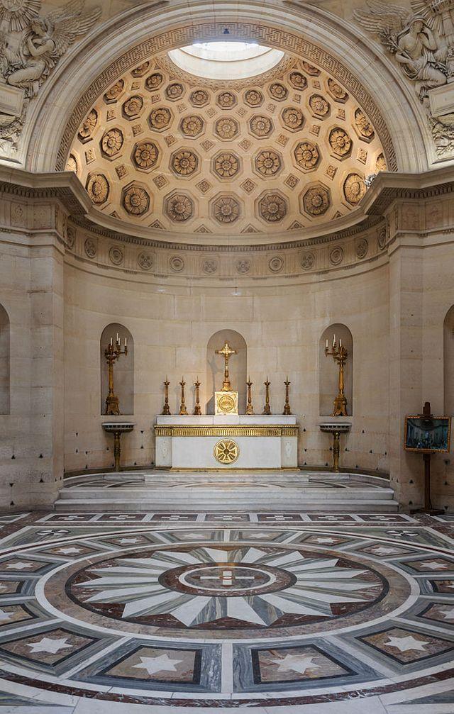 la chapelle expiatoire - Page 9 640_6510