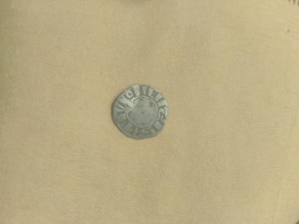 Denier bourguignon pour Dijon et sans doute pour Hugues IV ... 15546311