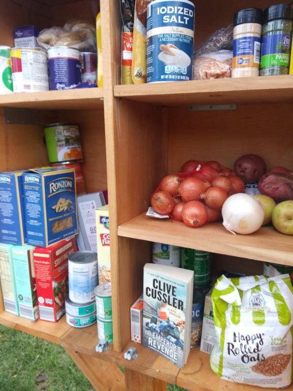 FOREST STREET FOOD PANTRY 20201110