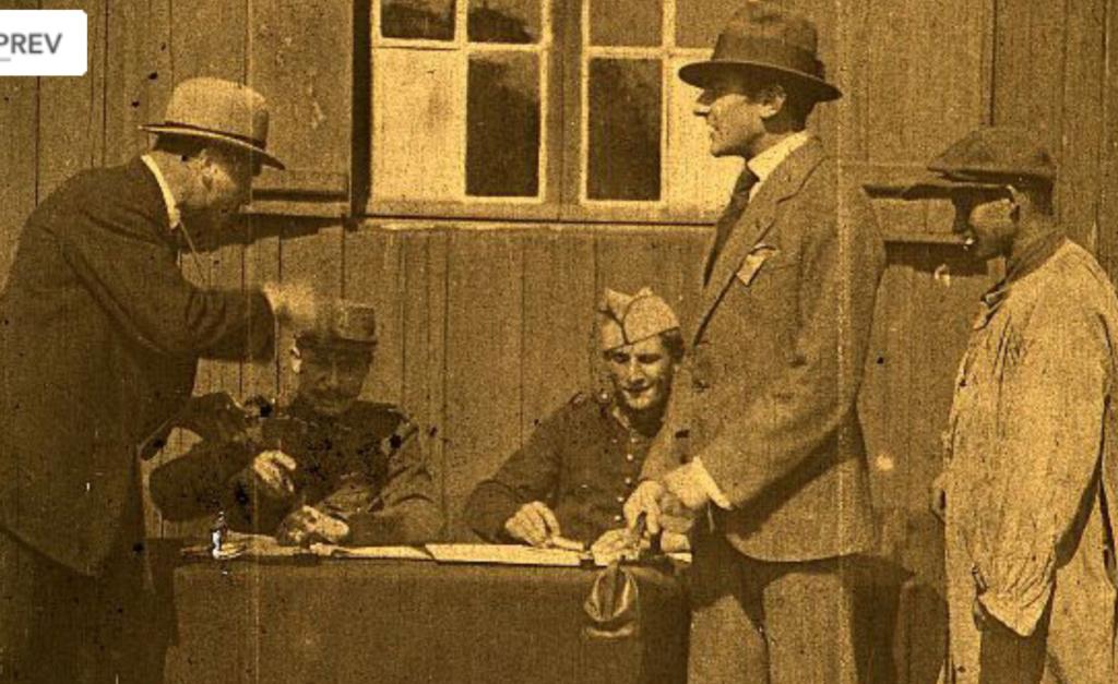 Uniformes à identifier dans un film de 1910 (environ) Film11