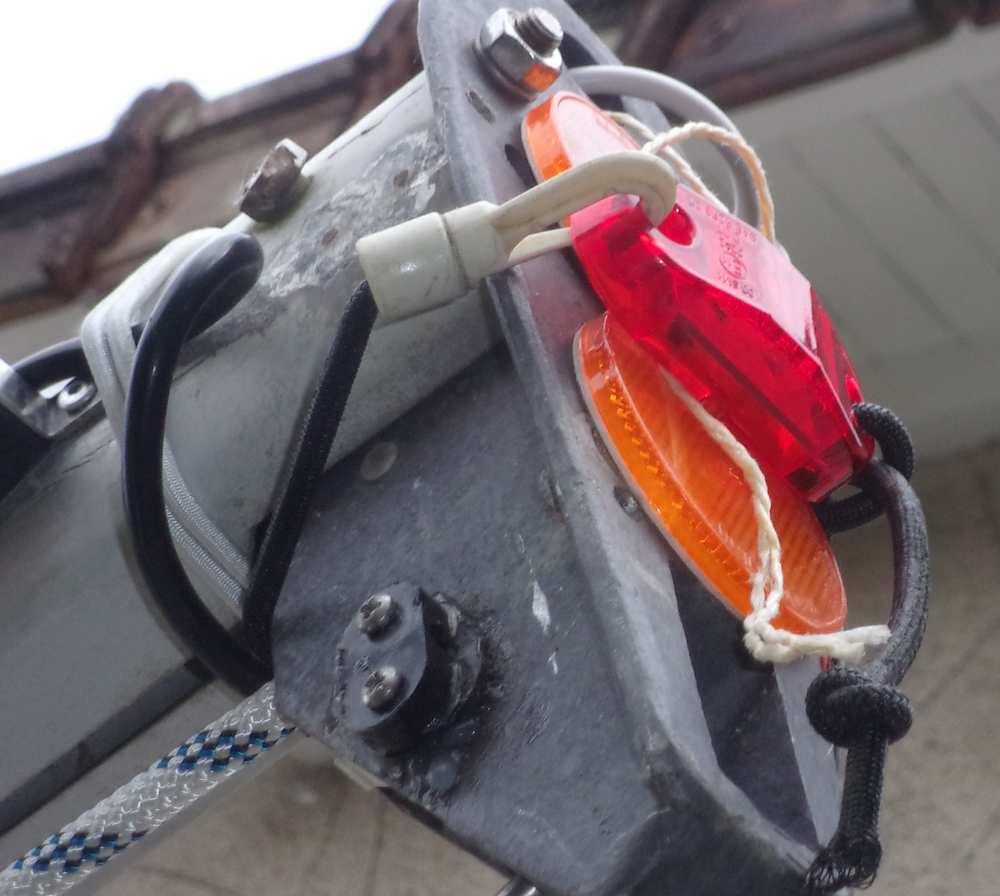Nouvelle réglementation pour les remorques et permis, au 3/6/2016 Feu_ga11