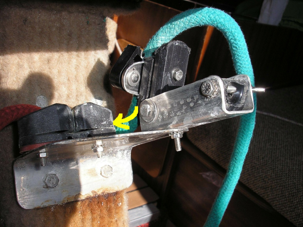 Taquet coinceur disjoncteur pour bout de dérive Fusibl10