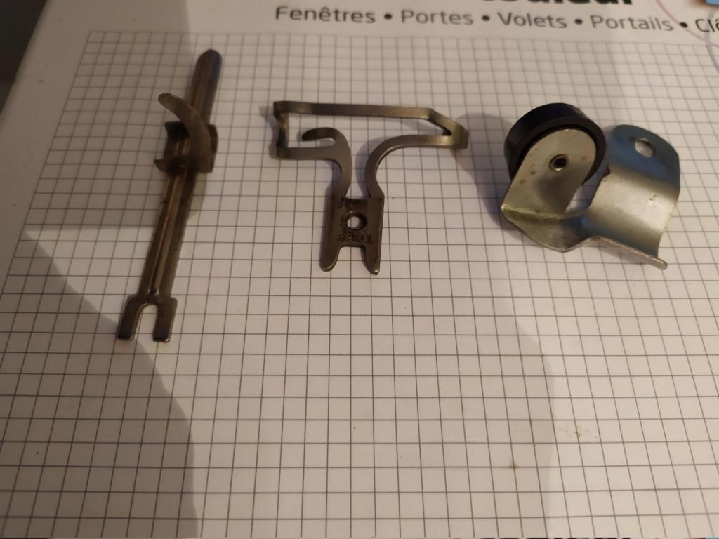 Identification d'accessoires pour des machines à coudre anciennes - Page 2 Img_2021