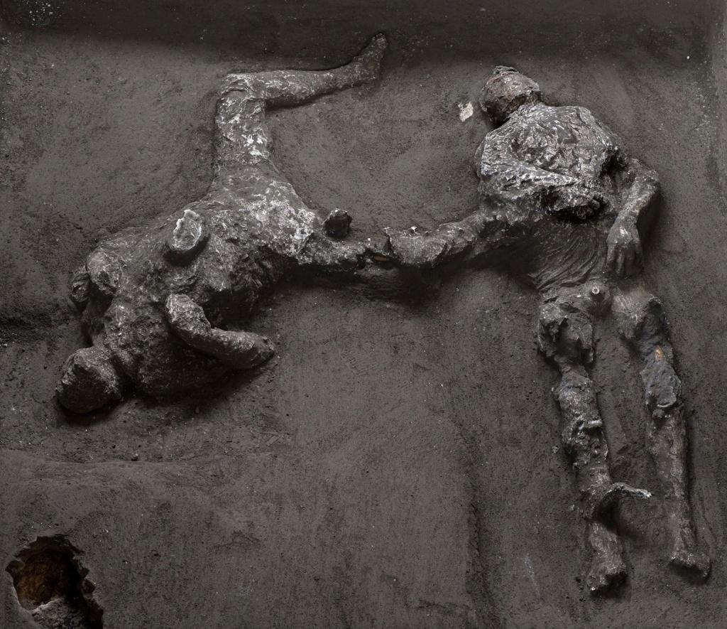 Actu archéologie - Page 33 12685210