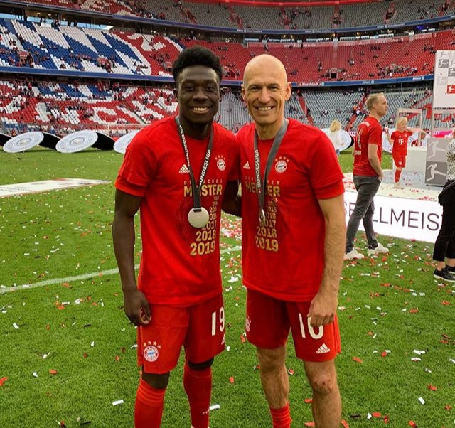 ¿Cuánto mide Arjen Robben? - Altura - Real height 369a6b10