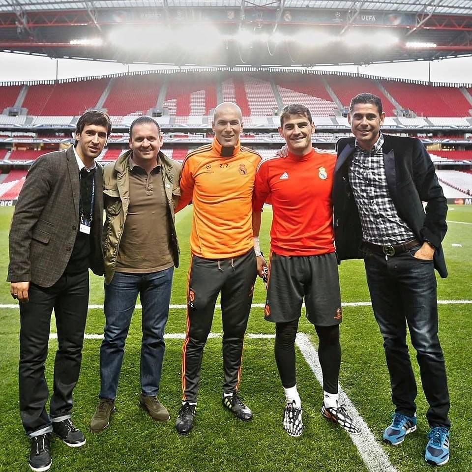 ¿Cuánto mide Iker Casillas? - Estatura real: 1,82 - Real height - Página 5 B97a3a10