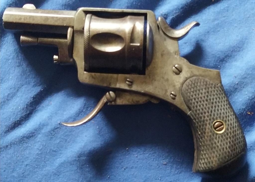 Très vieux petit  Revolver 8 lebel - Page 2 Img_2021