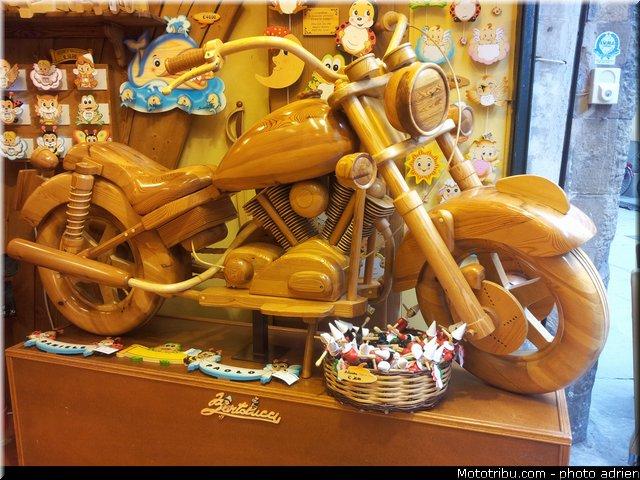 un KAWA en TERRASSE - moto en bois!! 20130516