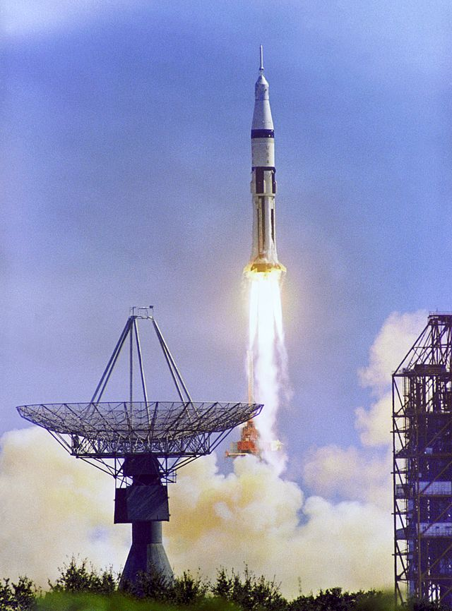 150ème de Zenith - Les exclusives de FAM - Un astronaute pour le 1er El Primero  640px-10