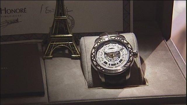 Actu: Horlogerie de luxe : mettez une tour Eiffel à votre poignet Charqu10