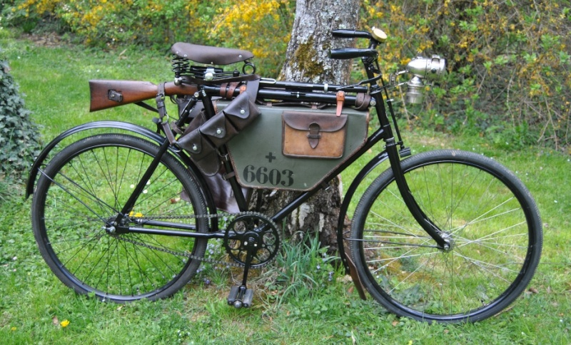 Vélos militaires suisses Dsc_0013