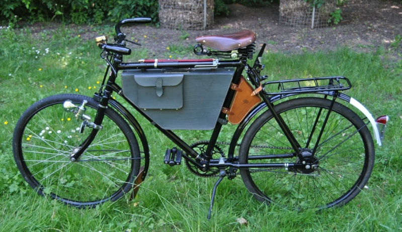 Vélos militaires suisses Dsc_0110