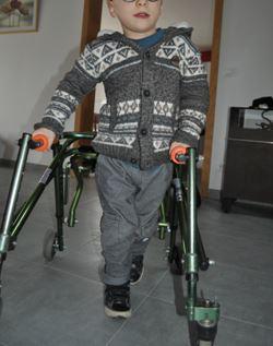 Ce ne concerne pâs un de nos camarades para, mais son fils de 6 ans atteint d'une infirmité motrice cérébrale. Robin_10