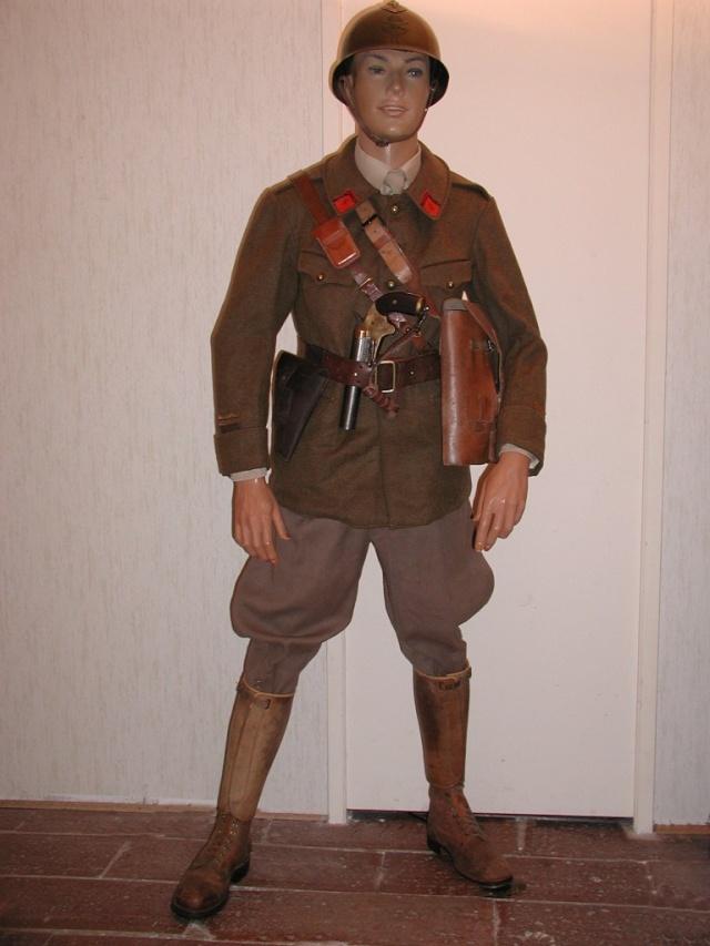 Autour d'une arme ... l'uniforme et l'équipement : quelques exemples Art_1_10