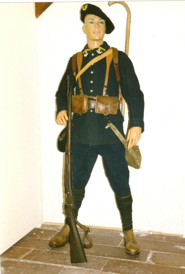 Autour d'une arme ... l'uniforme et l'équipement : quelques exemples Chasse10
