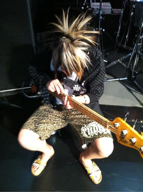 [Tournée] 10th Anniversary Year Tour !! 47 préfecturesー&final au Nippon Budokan o(≧∀≦)o - Page 3 O0480034