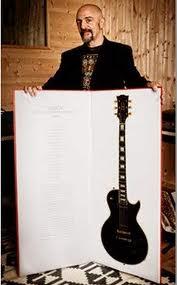 Un GRAND Livre sur des guitares de rêve    Images55