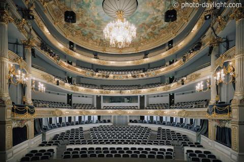 Styles des salles de concert, opéras, théâtres, ... 212510