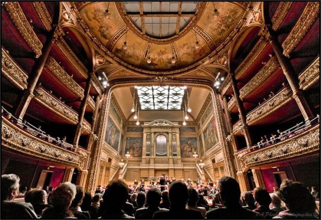 Styles des salles de concert, opéras, théâtres, ... 55977810