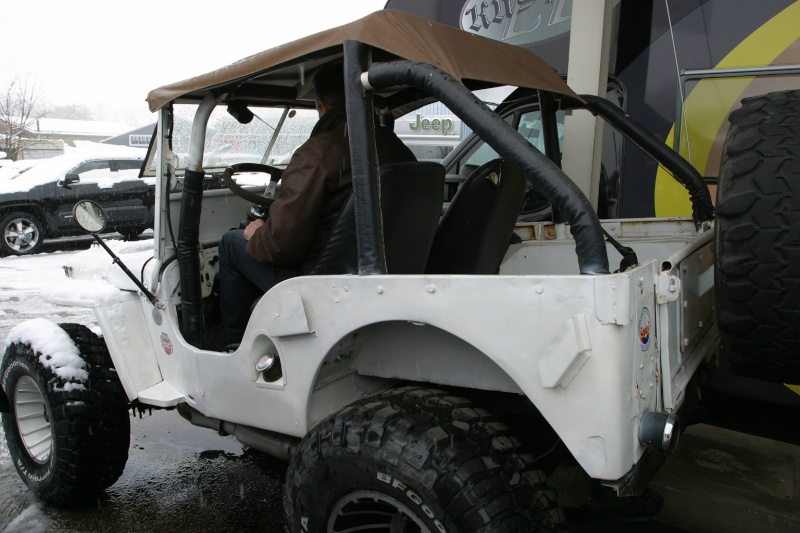 recherche jeep pour faire un proto Img_2830