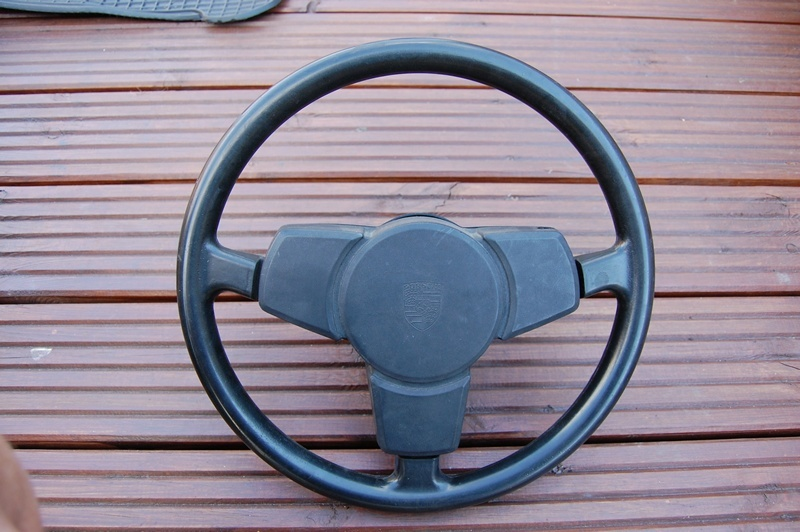 Porsche 911 3-spoke steering wheel Porsch10