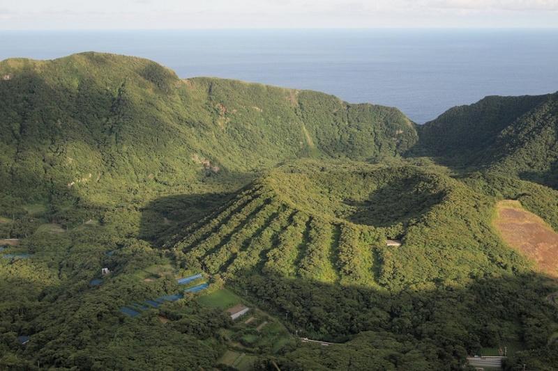 ile volcanique Aogashima, archipel izu, japon Aogash11