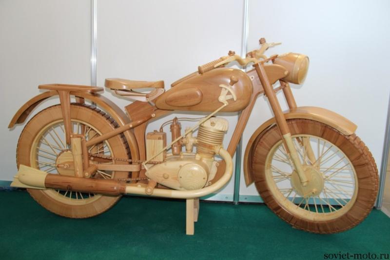 un KAWA en TERRASSE - moto en bois!! Eia-uu10