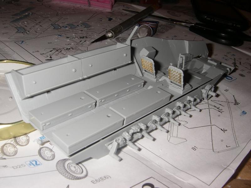 Sdkfz 251 Stuka Zu fuss Dragon 1/35 Imgp2218