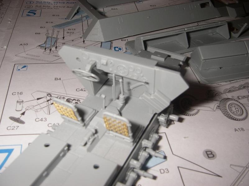 Sdkfz 251 Stuka Zu fuss Dragon 1/35 Imgp2221