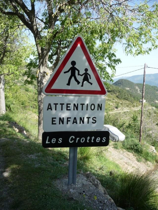 QUELQUES VILLAGES OU IL FAIT BON VIVRE !!! P1070213
