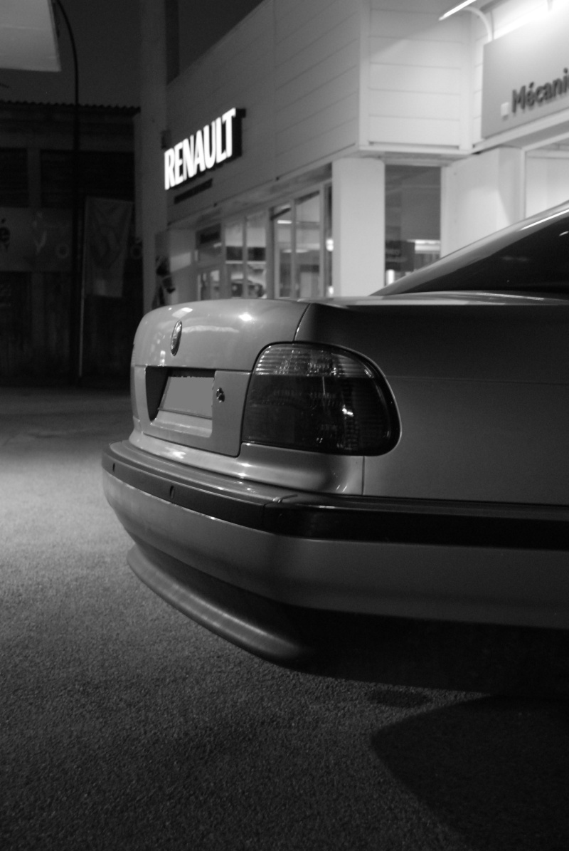 [Défi 1] Prendre sa BMW en photo devant un garage Renault - Page 2 750i10