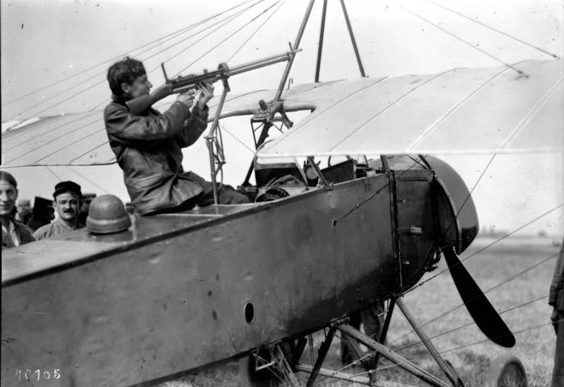 """[1915] [AZ Model] Morane L """"Parasol"""" - Première victoire de Guynemer. Morane15"""