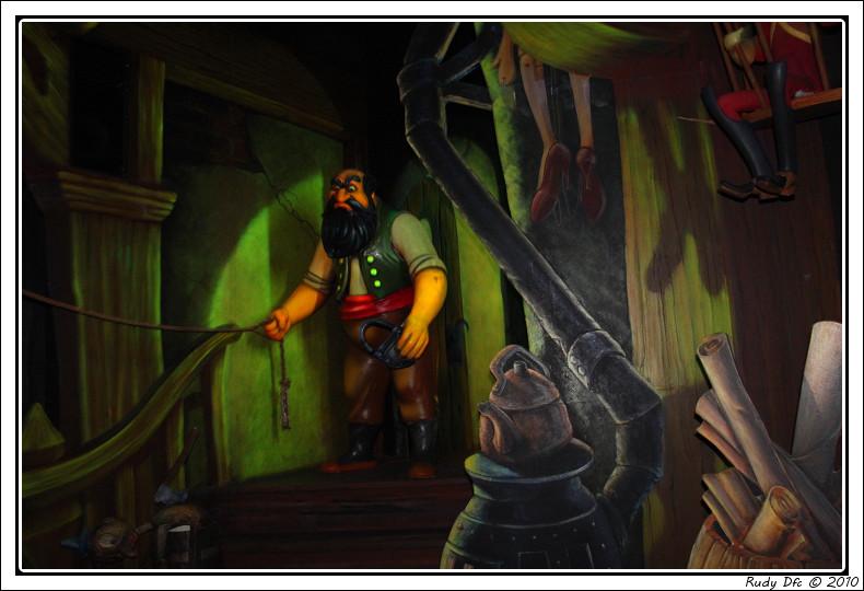 Les Voyages de Pinocchio - Page 2 Img_0648