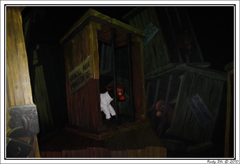 Les Voyages de Pinocchio - Page 2 Img_0654