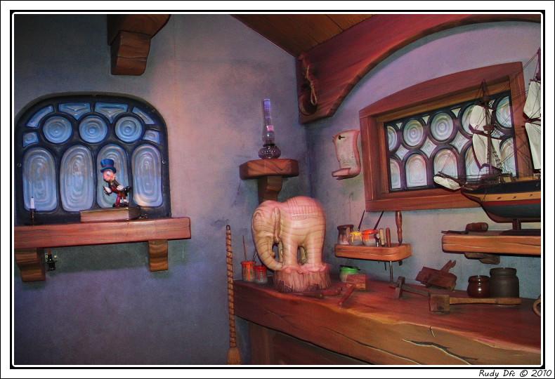 Les Voyages de Pinocchio - Page 2 Img_0661