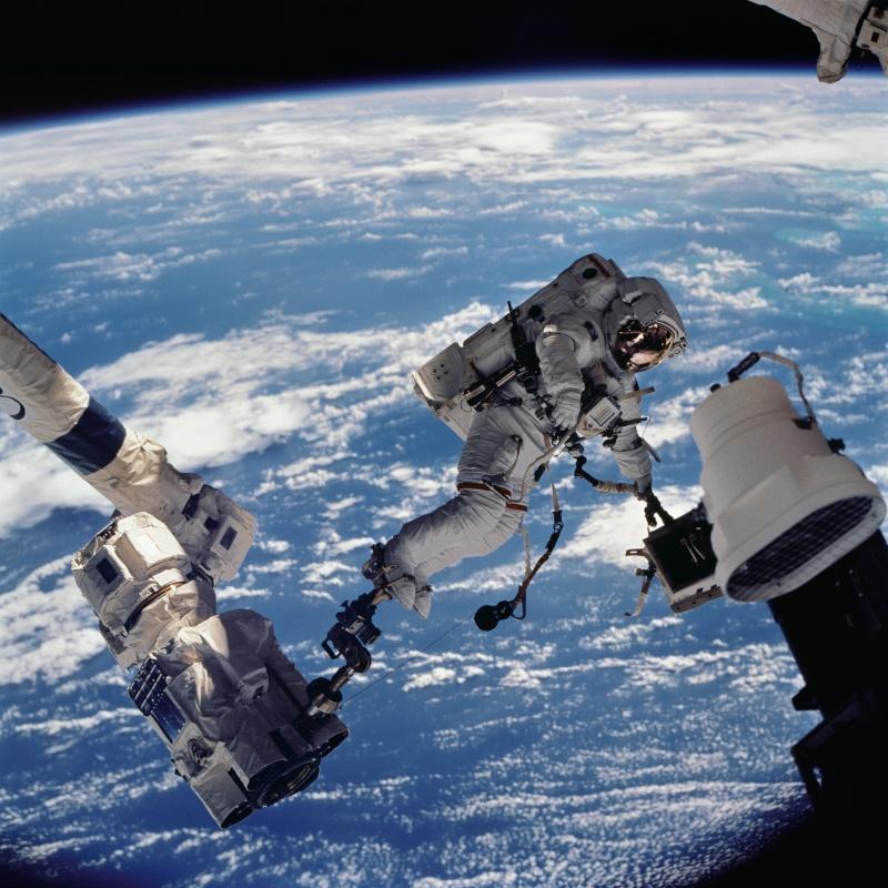 [ISS] EVA 29, 30 et 31 / 21 et 25 février - 1er mars 2015 - Page 3 Sts11210