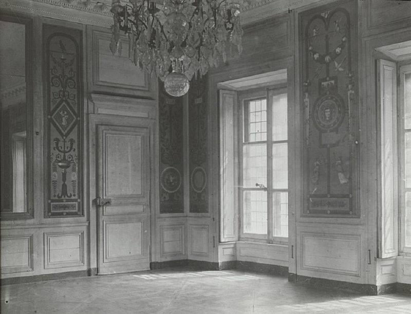 Hameau du Petit Trianon : Restauration de la maison de la Reine  - Page 2 10403410