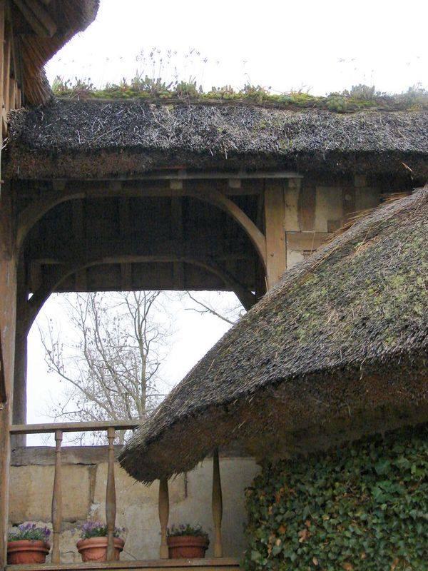 Hameau du Petit Trianon : Restauration de la maison de la Reine  - Page 2 10461910