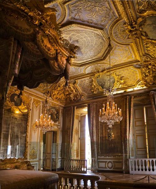 chambre - La chambre de la Reine à Versailles - Page 2 10492010